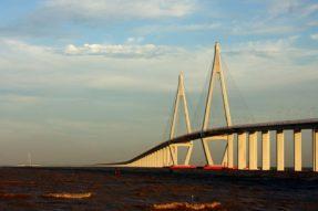 杭州湾跨海大桥——曾创长度世界纪录的跨海大桥