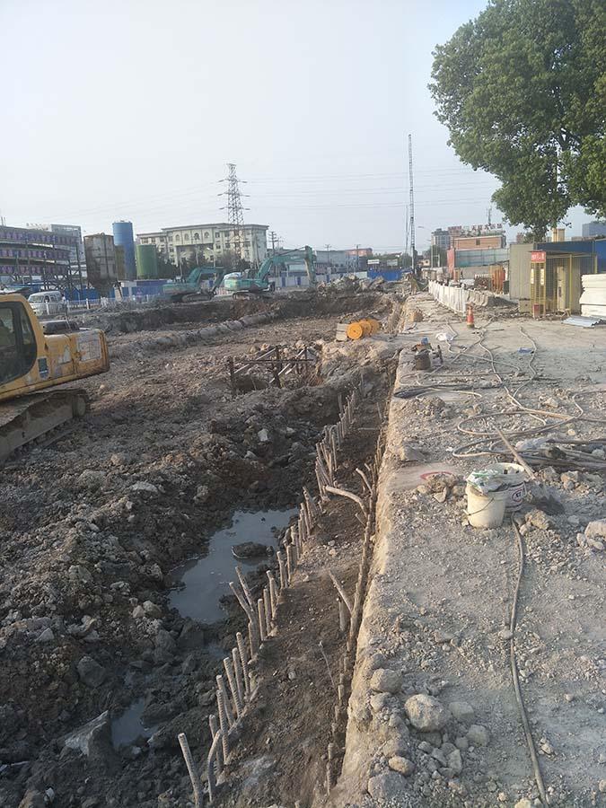 宁波市轨道交通4号线土建工程TJ4007标(嵩江东路站)试桩完成2根试桩下钢筋笼/自平衡测试