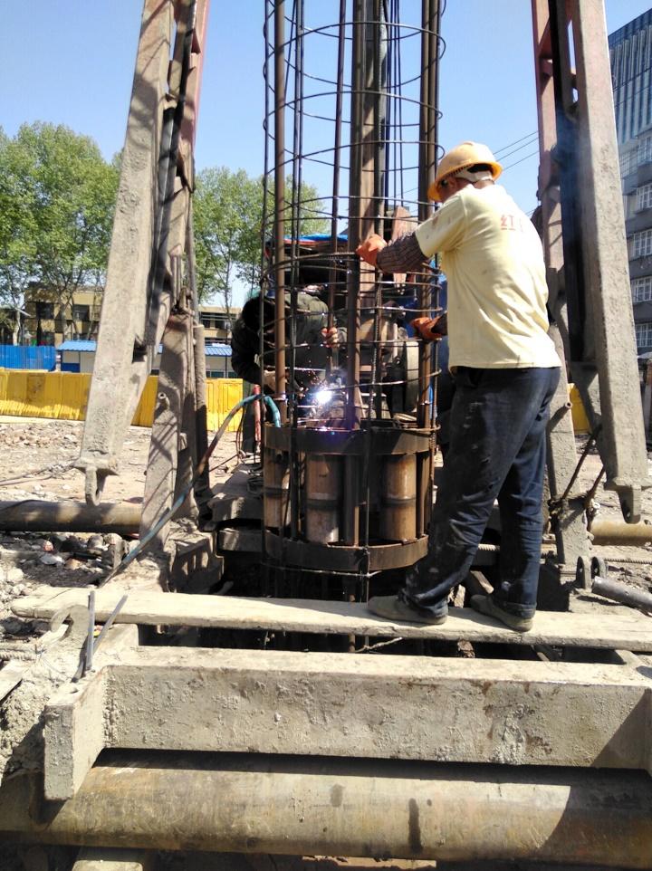 南京首建中心项目工程完成13根试桩下钢筋笼/自平衡测试/超声波检测
