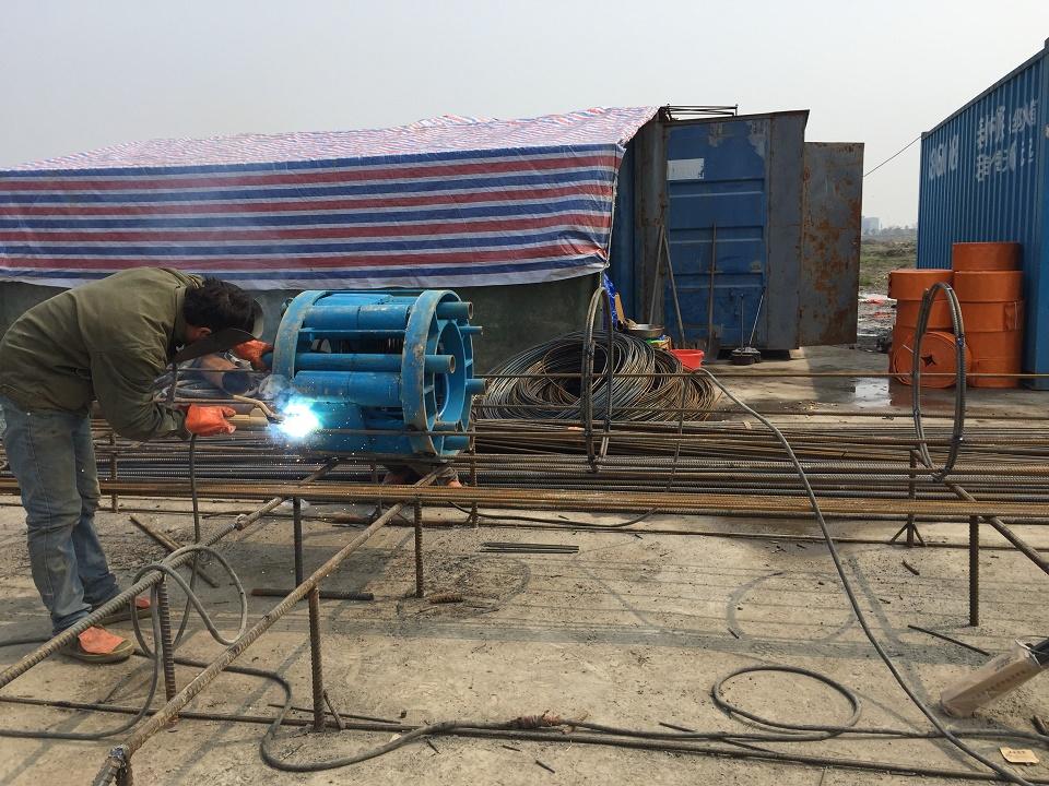 泰州港泰兴港区七圩作业区公用码头工程完成2根PHC桩自平衡测试